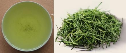 白葉茶の茶葉と水色