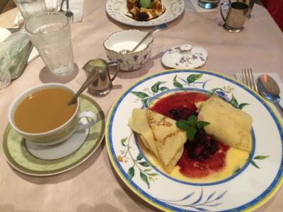 紅茶とクレープ