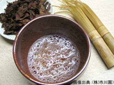 富山黒茶の茶葉、五郎八茶碗、夫婦茶筅