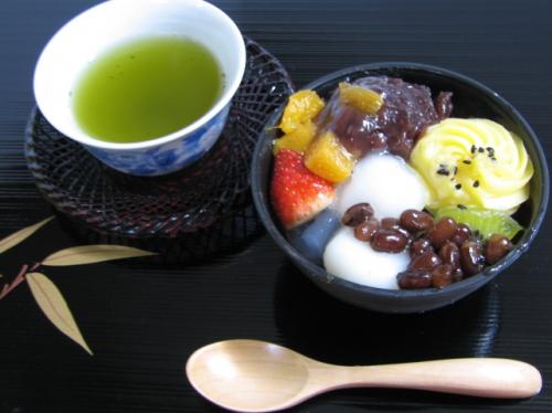 和菓子と緑茶