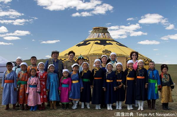 砂漠に暮らす少数民族(モンゴル族)