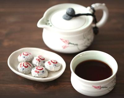 ミニサイズの黒茶