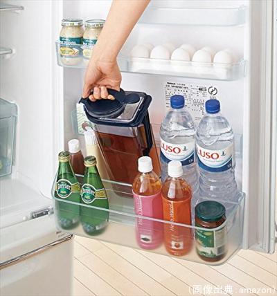 冷茶ポットを冷蔵庫に入れる